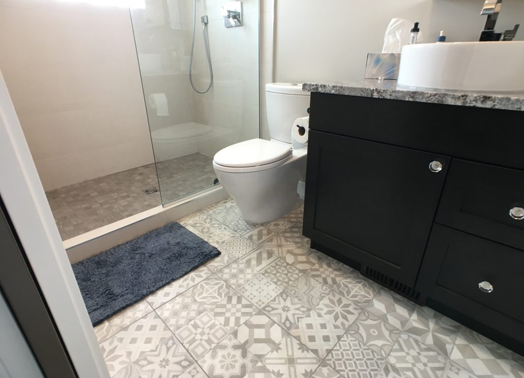 bathroom pattern tile floor