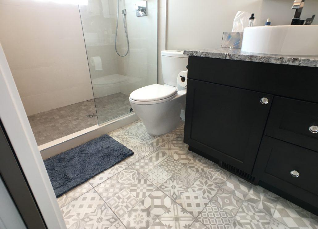bathroom pattern tile floor
